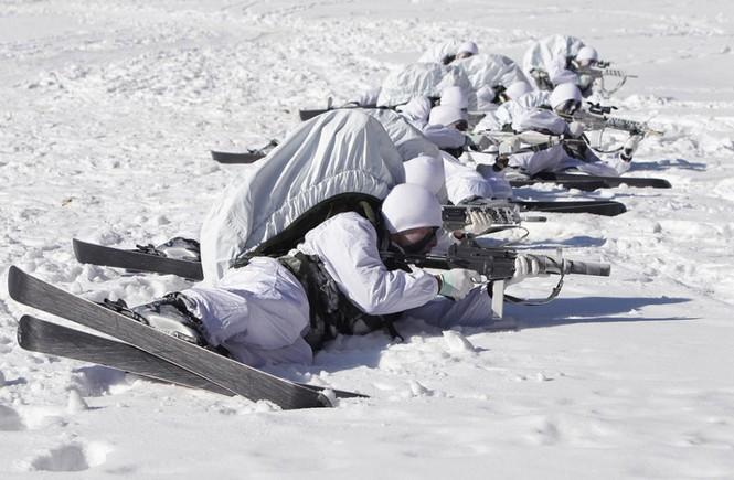 Đặc nhiệm Hàn Quốc tác chiến trong tiết trời âm 20 độ - ảnh 7