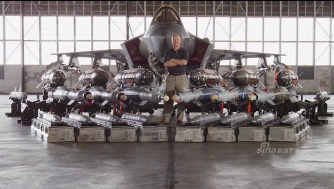 Nhìn gần cung - kiếm của siêu chiến đấu cơ F-35 - ảnh 10