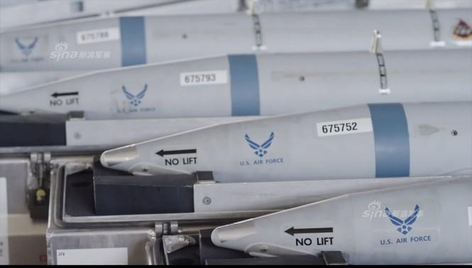 Nhìn gần cung - kiếm của siêu chiến đấu cơ F-35 - ảnh 7
