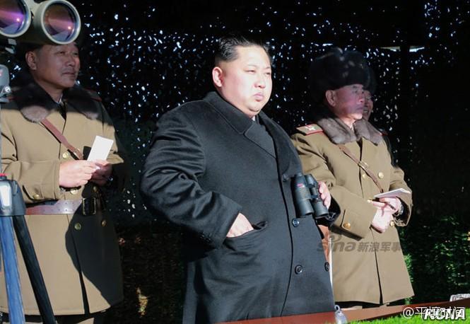 [ẢNH] Cận cảnh Triều Tiên tập trận 'tấn công Dinh Tổng thống Hàn Quốc' - ảnh 1