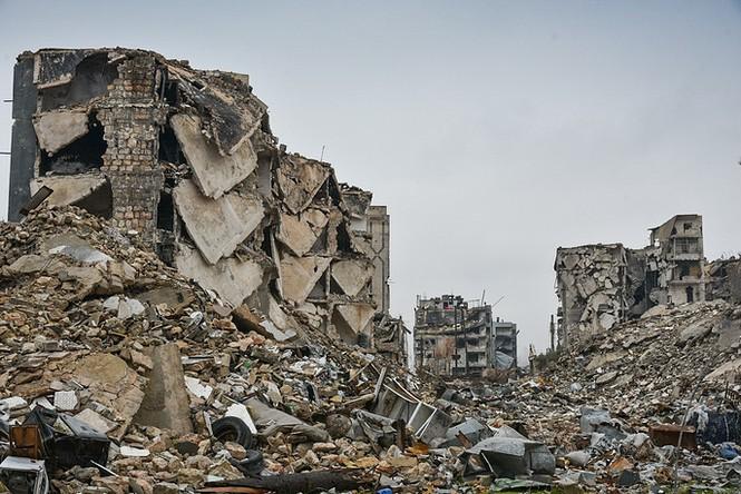 Công binh Nga cày xới từng mét đất Aleppo - ảnh 14
