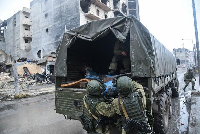Công binh Nga cày xới từng mét đất Aleppo - ảnh 4