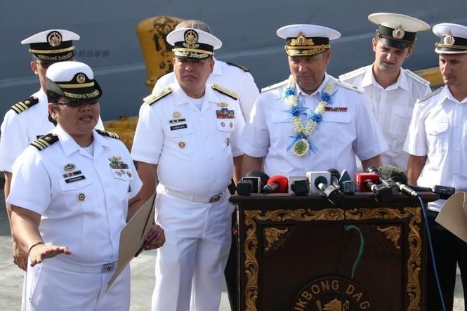 Mục kích chiến hạm lừng danh Nga cập cảng Philippines - ảnh 5