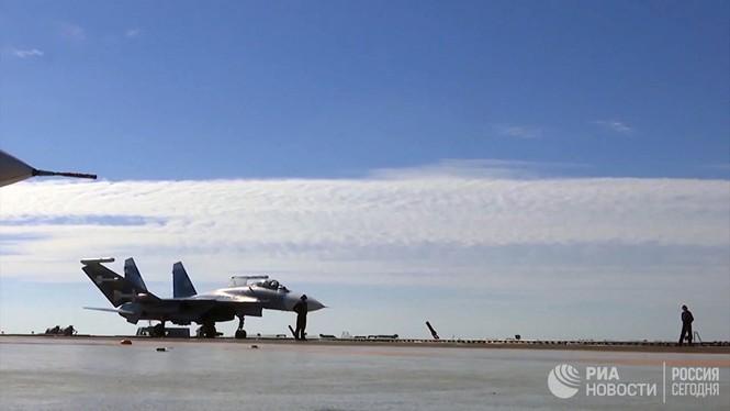 [ẢNH] Khoảnh khắc đẹp của tàu sân bay Nga tham chiến ở Syria  - ảnh 13