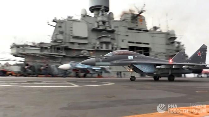 [ẢNH] Khoảnh khắc đẹp của tàu sân bay Nga tham chiến ở Syria  - ảnh 14