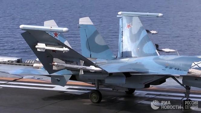 [ẢNH] Khoảnh khắc đẹp của tàu sân bay Nga tham chiến ở Syria  - ảnh 3