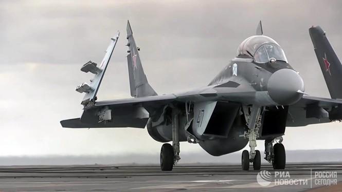 [ẢNH] Khoảnh khắc đẹp của tàu sân bay Nga tham chiến ở Syria  - ảnh 5