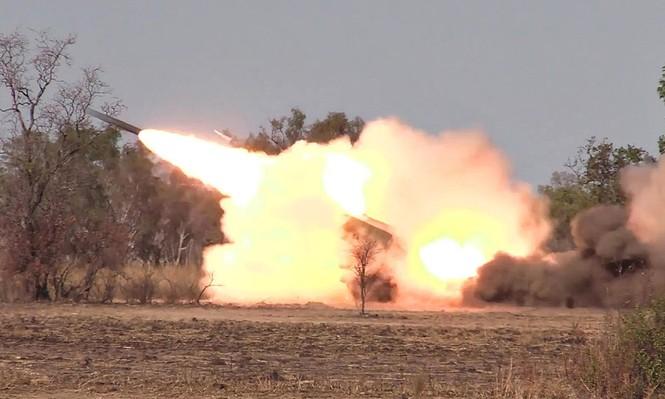 Tiêm kích F/A-18E Mỹ bắn hạ máy bay quân sự Syria - ảnh 6