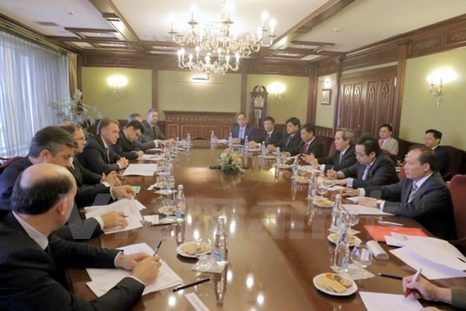 Trưởng Ban Kinh tế Trung ương Nguyễn Văn Bình thăm và làm việc tại Nga - ảnh 1
