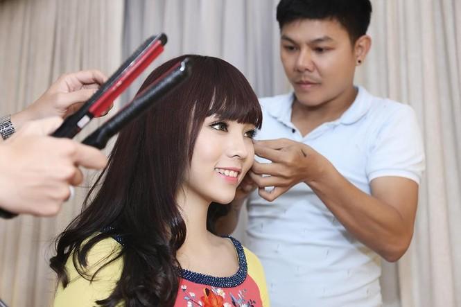Hoa hậu Kỳ Duyên đẹp ngỡ ngàng với tóc mái ngố - ảnh 1