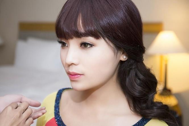 Hoa hậu Kỳ Duyên đẹp ngỡ ngàng với tóc mái ngố - ảnh 4
