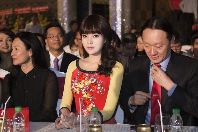 Hoa hậu Kỳ Duyên đẹp ngỡ ngàng với tóc mái ngố - ảnh 8