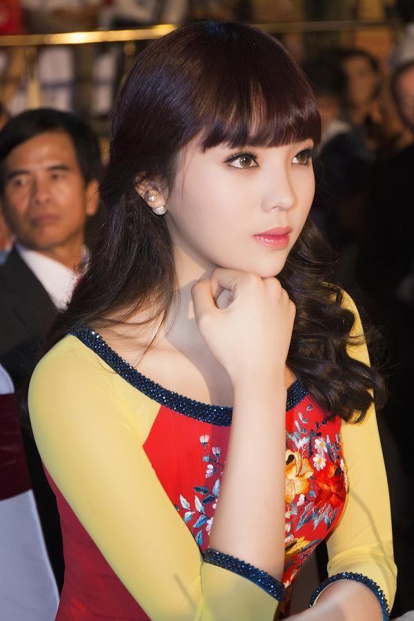 Hoa hậu Kỳ Duyên đẹp ngỡ ngàng với tóc mái ngố - ảnh 10