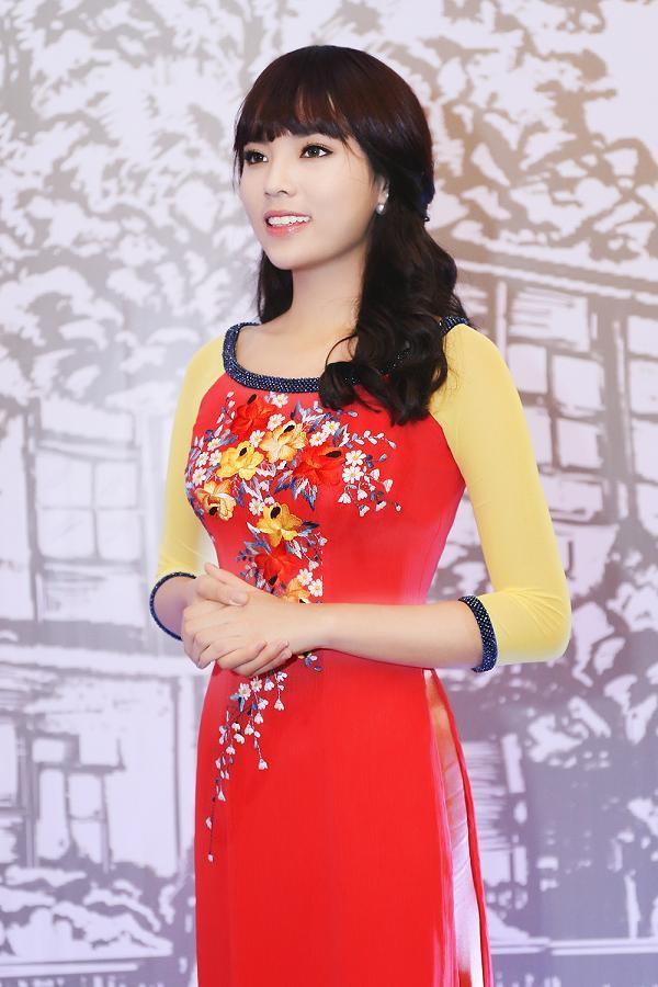 Hoa hậu Kỳ Duyên đẹp ngỡ ngàng với tóc mái ngố - ảnh 5