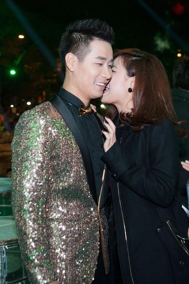 Hoàng Thùy Linh gợi cảm 'đốt cháy' đêm nhạc chào 2015 - ảnh 4