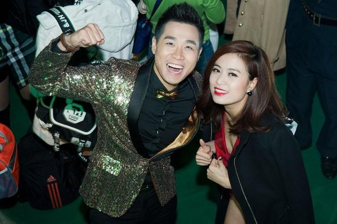 Hoàng Thùy Linh gợi cảm 'đốt cháy' đêm nhạc chào 2015 - ảnh 3