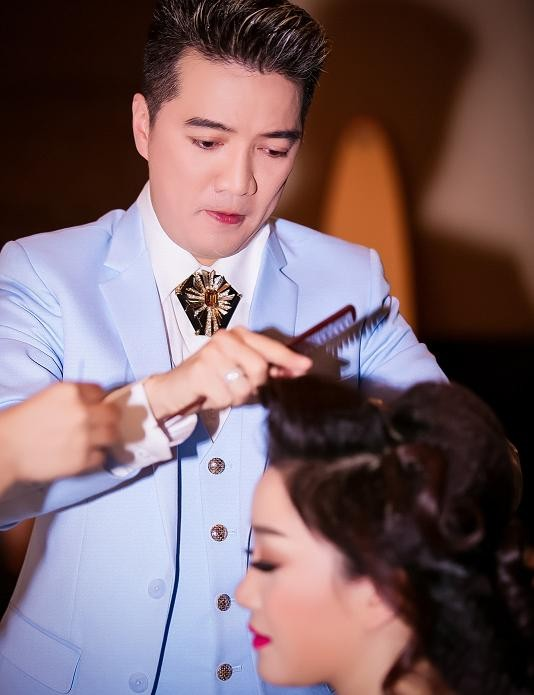 Mr. Đàm chăm sóc Phạm Thu Hà như tình nhân - ảnh 2