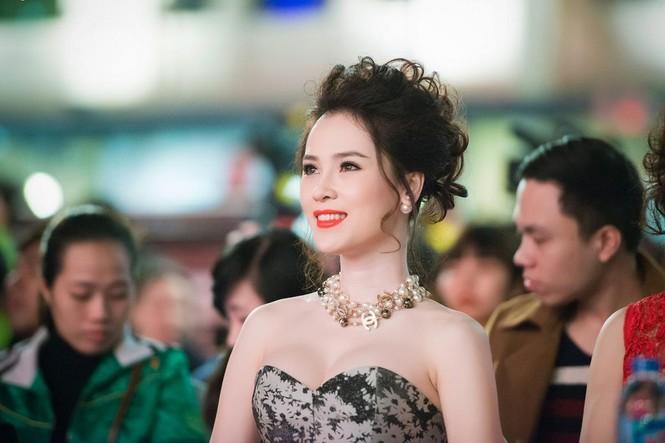 Thái Như Ngọc vai trần gợi cảm đón năm mới - ảnh 8