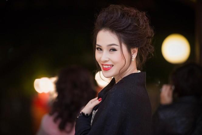 Thái Như Ngọc vai trần gợi cảm đón năm mới - ảnh 5