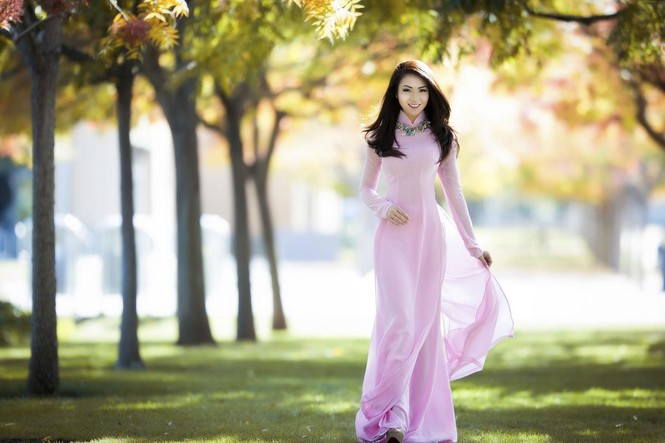 Jennifer Chung đẹp tinh khôi sáng đầu năm với áo dài - ảnh 5