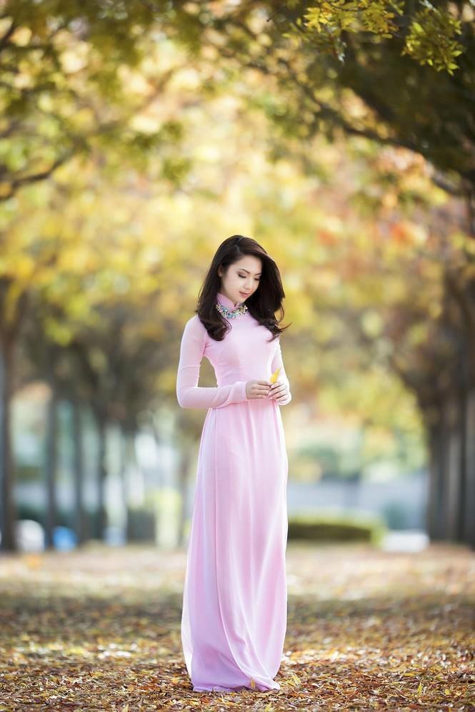 Jennifer Chung đẹp tinh khôi sáng đầu năm với áo dài - ảnh 9