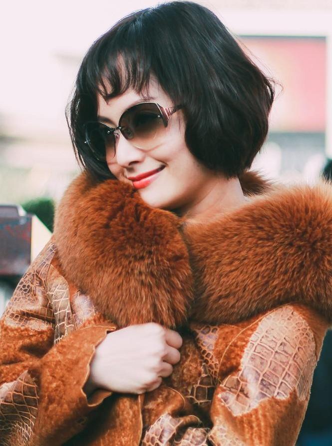 Lan Phương đón năm mới ở Mỹ với tóc tém cá tính - ảnh 6
