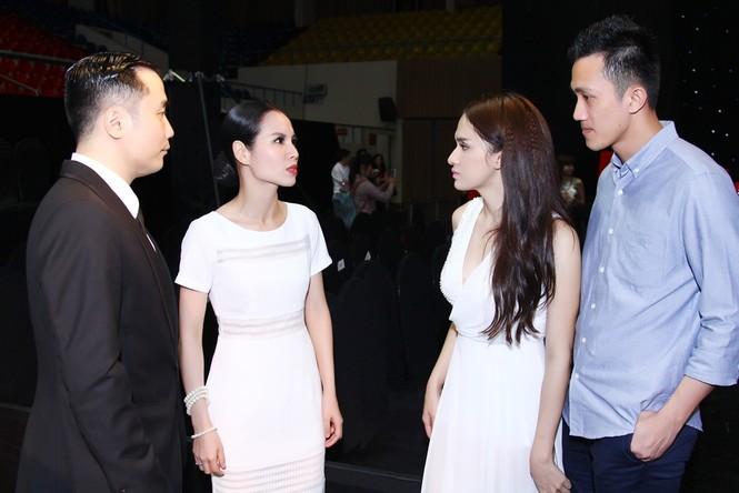 Bạn trai tháp tùng Hương Giang Idol thi Bước nhảy hoàn vũ - ảnh 10