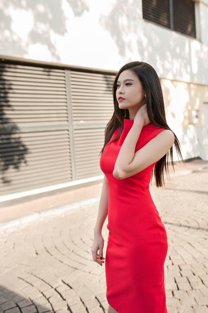 Trương Quỳnh Anh sành điệu trên đường phố Hà Nội - ảnh 12