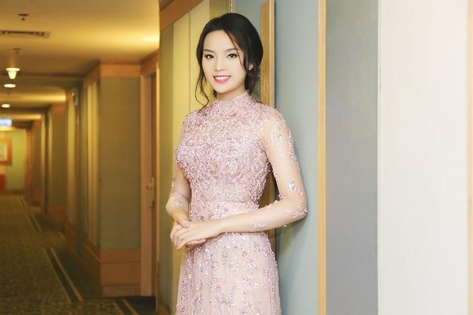 Hoa hậu Kỳ Duyên xinh đẹp đi sự kiện cùng mẹ - ảnh 8