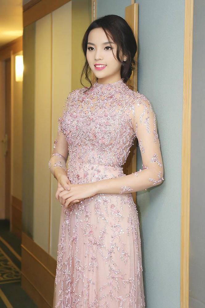 Hoa hậu Kỳ Duyên xinh đẹp đi sự kiện cùng mẹ - ảnh 9