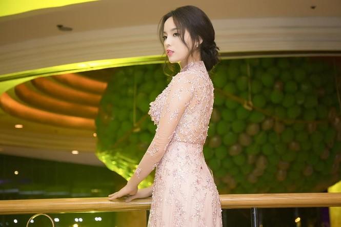 Hoa hậu Kỳ Duyên xinh đẹp đi sự kiện cùng mẹ - ảnh 6