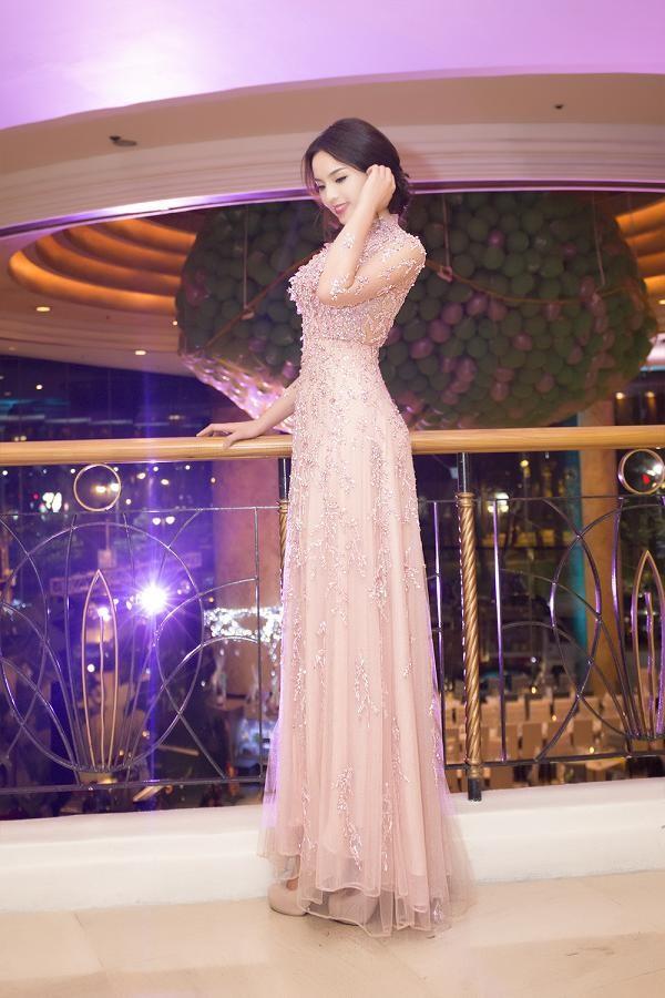 Hoa hậu Kỳ Duyên xinh đẹp đi sự kiện cùng mẹ - ảnh 12