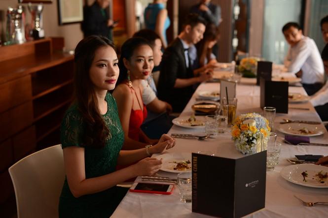 Thảo Trang bị Trúc Diễm 'dìm hàng' chiều cao - ảnh 9