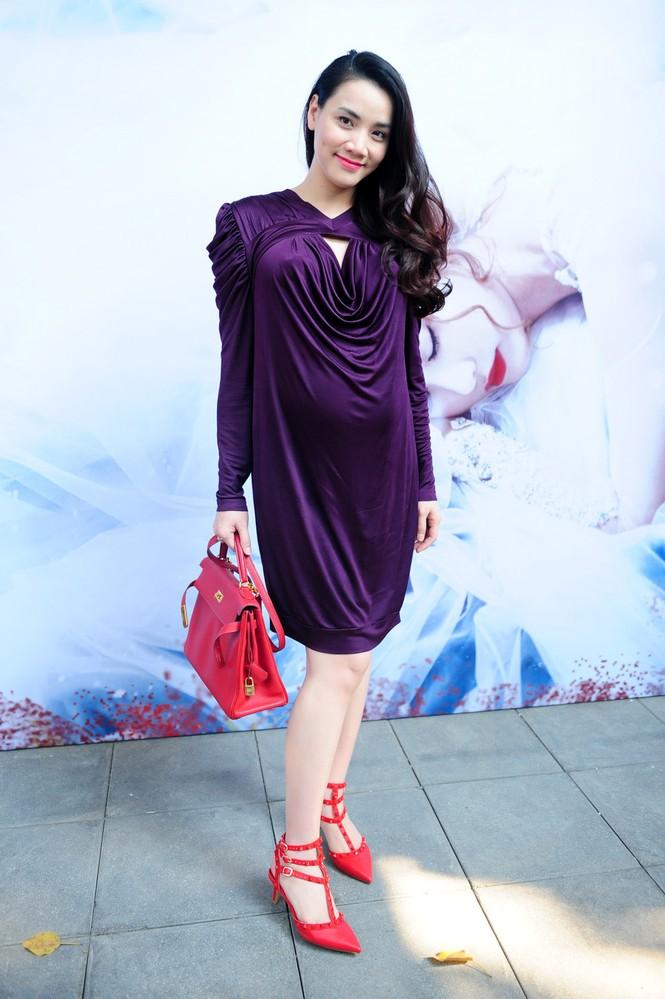 Trang Nhung 'vác' bụng bầu đi sự kiện - ảnh 3