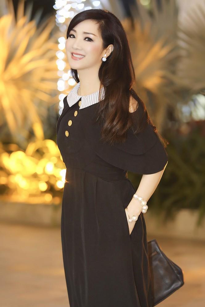 Hoa hậu Giáng My xinh đẹp, trẻ trung đi làm giám khảo - ảnh 6