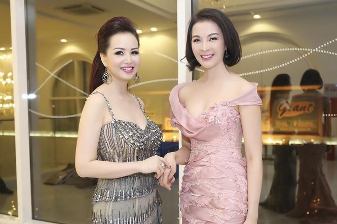 Hoa hậu Diệu Hoa 'lột xác' với style sang trọng, gợi cảm - ảnh 9