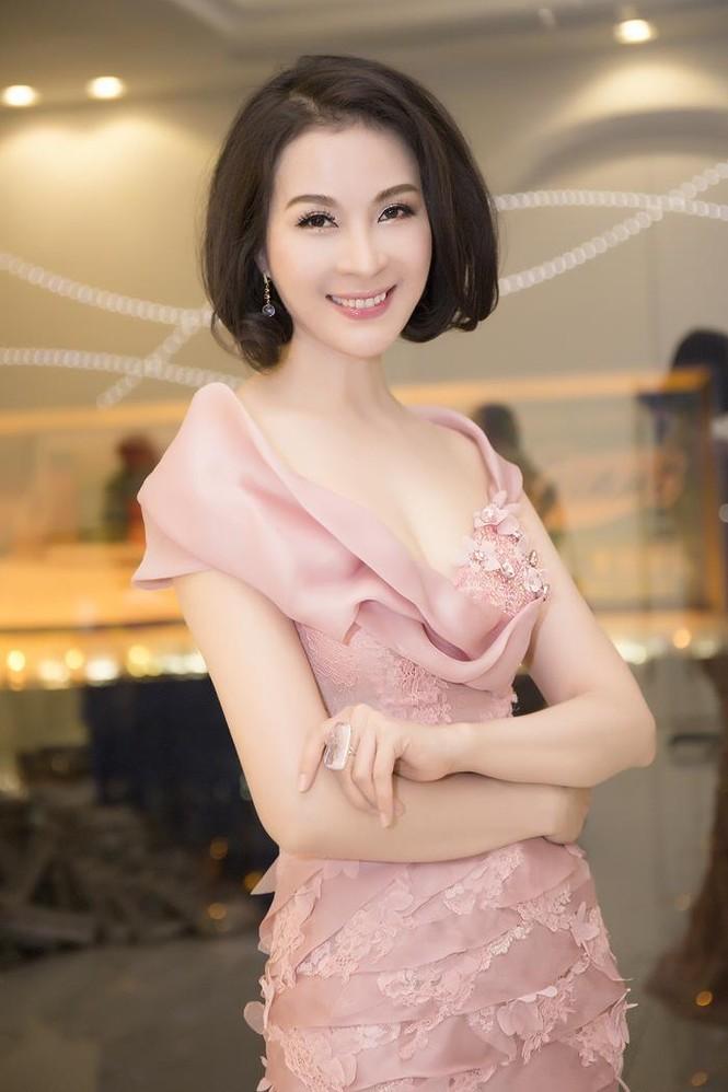 Hoa hậu Diệu Hoa 'lột xác' với style sang trọng, gợi cảm - ảnh 7