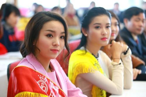 Các Hoa hậu, Á hậu hào hứng hiến máu cho ngày Chủ Nhật Đỏ - ảnh 4