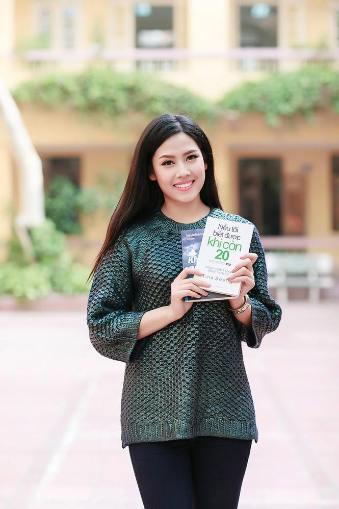 Nguyễn Thị Loan quyên góp sách cho học trò nghèo miền núi - ảnh 10