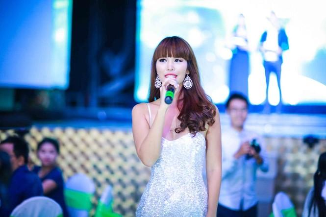 Hà Anh 'tái xuất' nóng bỏng trên sân khấu ca nhạc - ảnh 8