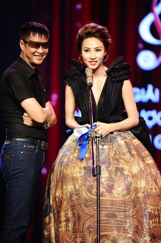 Ngân Khánh suýt gặp tai nạn váy áo trước ngày cưới - ảnh 9