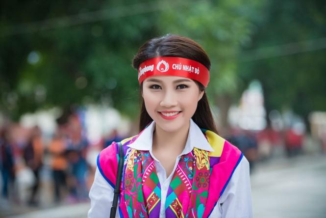 Người đẹp rạng rỡ tại Chủ Nhật Đỏ 2015 ở Hà Nội - ảnh 6