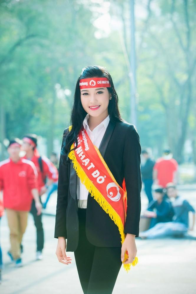 Người đẹp rạng rỡ tại Chủ Nhật Đỏ 2015 ở Hà Nội - ảnh 5