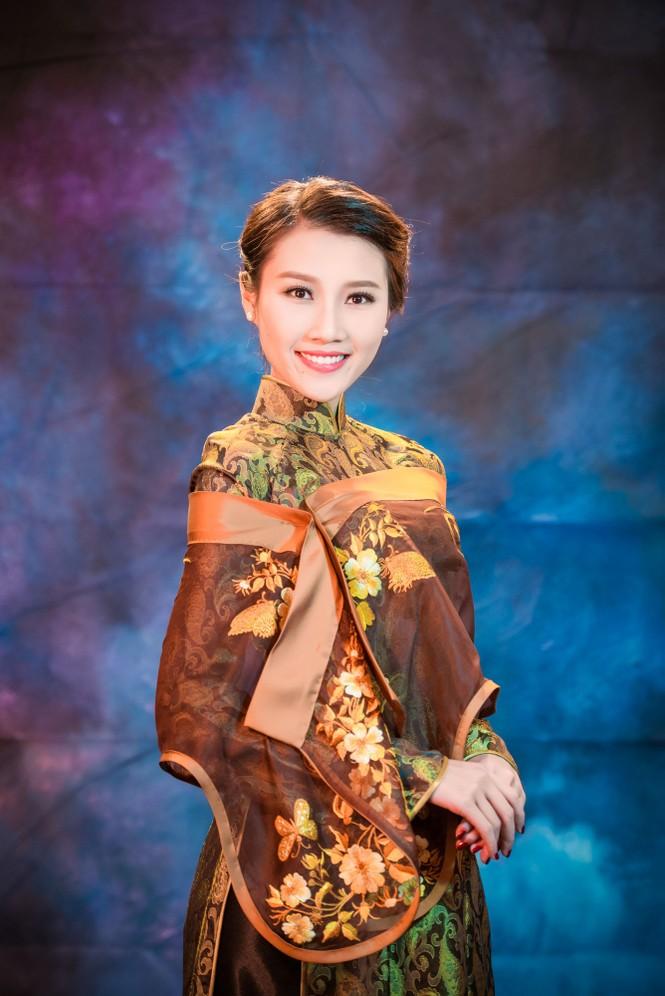 Người đẹp Thanh Tú, Kiều Anh duyên dáng với áo dài - ảnh 3