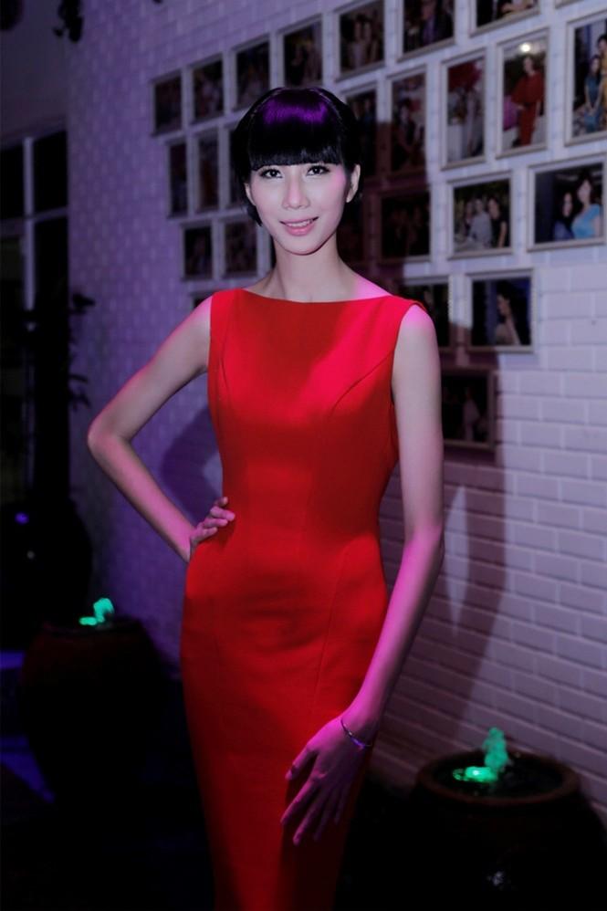 Quán quân Next Top Model Quang Hùng tình tứ cùng bạn gái - ảnh 7