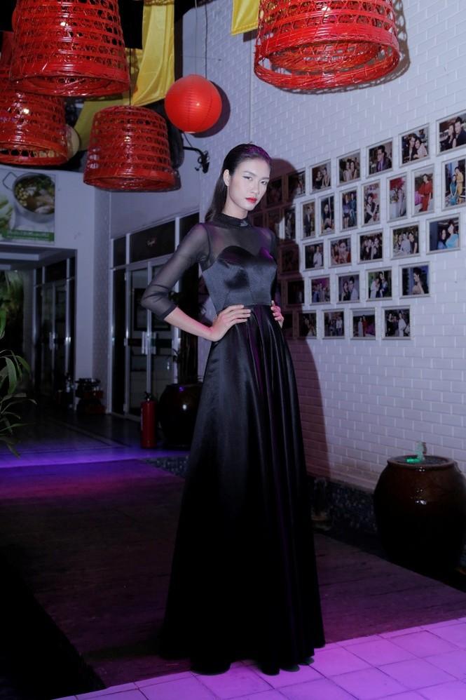 Quán quân Next Top Model Quang Hùng tình tứ cùng bạn gái - ảnh 6