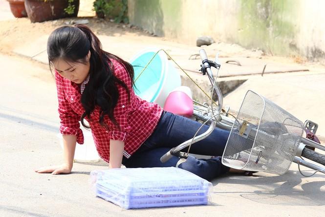 Hương Tràm giản dị, quê mùa trong phim Tết 2015 - ảnh 2