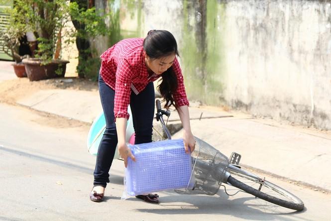 Hương Tràm giản dị, quê mùa trong phim Tết 2015 - ảnh 3