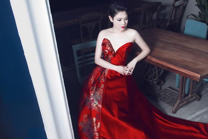 'Búp bê' Thanh Thảo 'lột xác' với phong cách kiêu sa, gợi cảm - ảnh 4