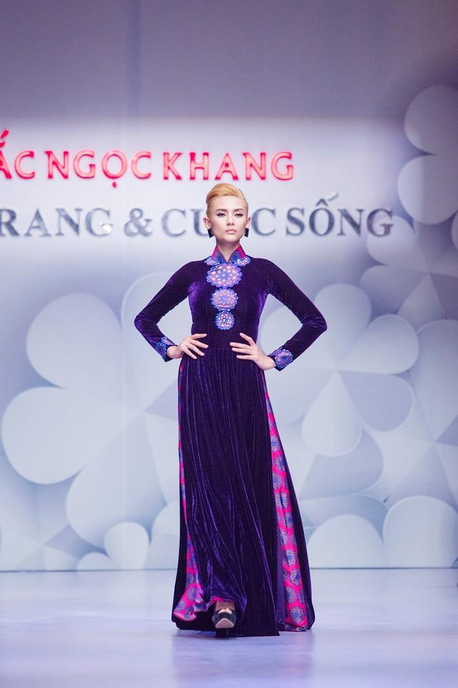 Phạm Hương, Quang Lê tươi rói xem Việt Trinh diễn áo dài - ảnh 6